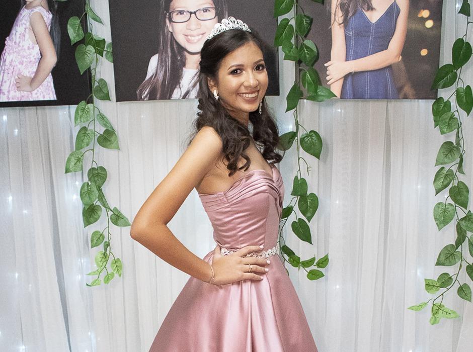 Los quince años de Valeria Vanessa Lara