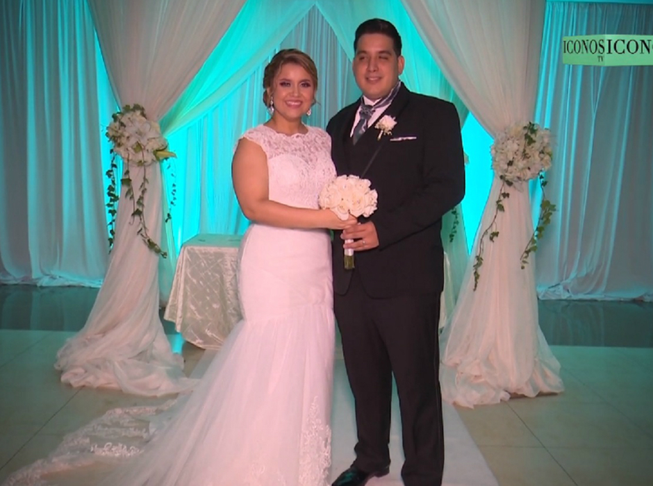 Karely Amaya y Arnold Pineda ya son esposos