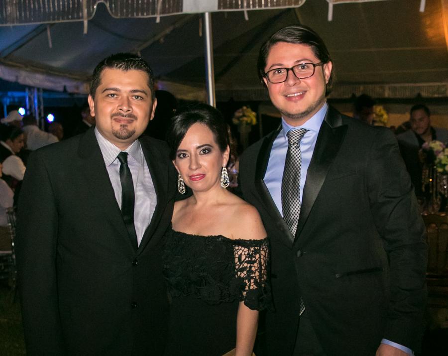 Cindy Posas y Steven Romero
