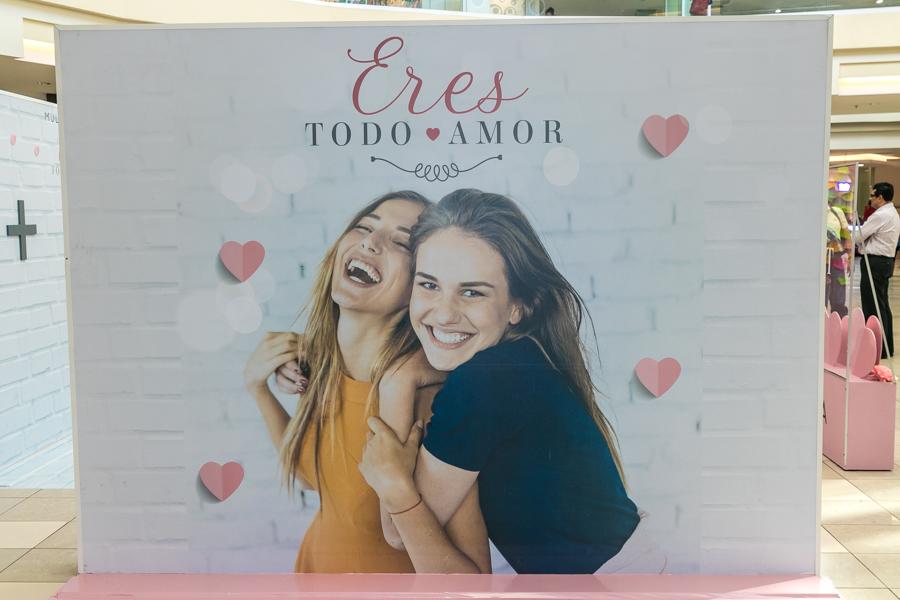 Valentine's Day Photo Walls 2019
