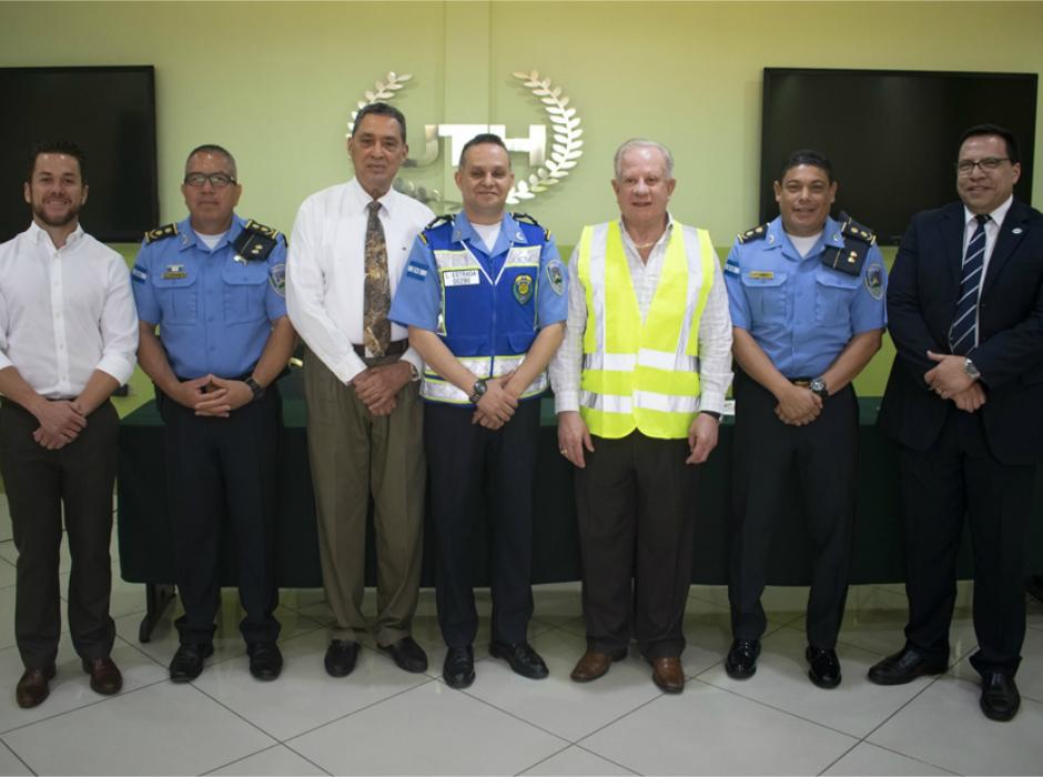 UTH y la Policía Nacional