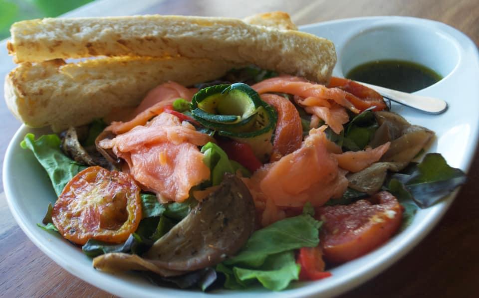 Healthy Salads by Welchez Café