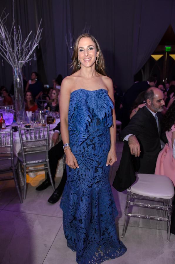 Un derroche añejo de glamour, así fue la puesta en escena de las madres de los graduados en la gala del año.
