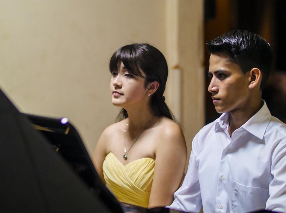 Daniela Santos y Kevin Aguilar