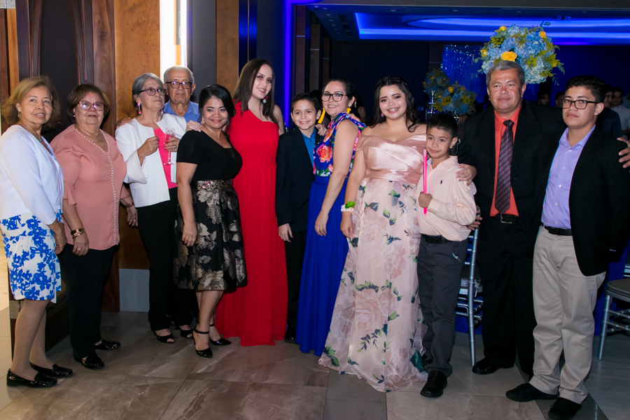 Desfile padres Seniors 2019 escuela bilingüe Kiddy Kat Morazzanni