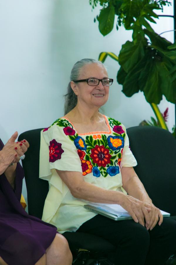 La escritora Helen Umaña