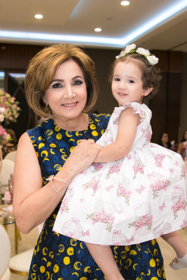 El baby shower para Mónica Hernández de Handal
